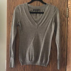 The Limited V neck sweater-medium